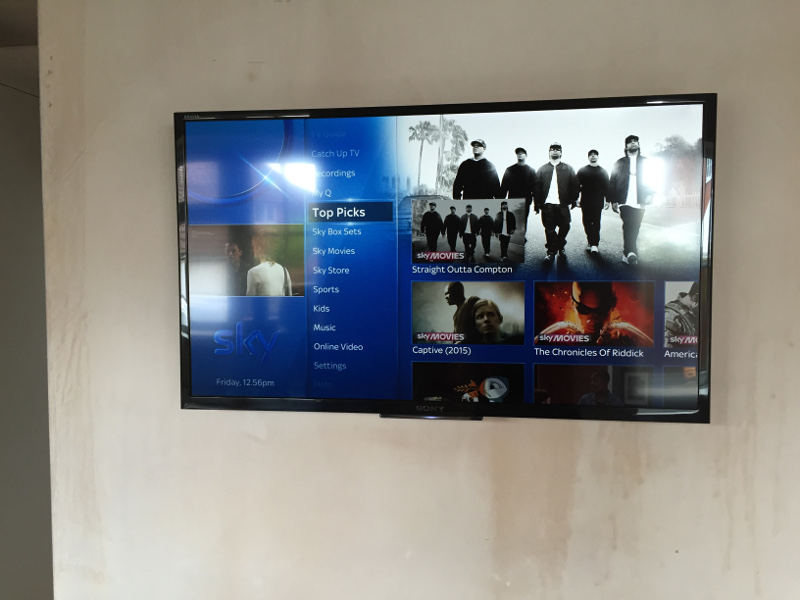 Answered sky q mini wall mountable behind tv page 2 for 3200 diamond eight terrace